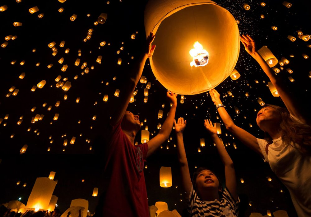 Loy Krathong and Yi Peng Lantern Festival: Spectacular Visual Drama Unlike Any Other