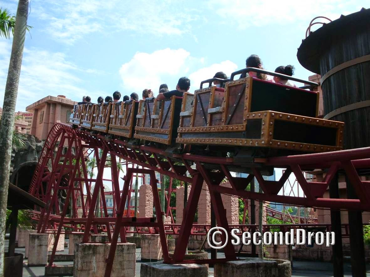 Lost City of Gold mine train is filled with airtime and has excellent theming